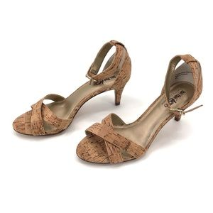 COACH AND FOUR CORK HEELS.